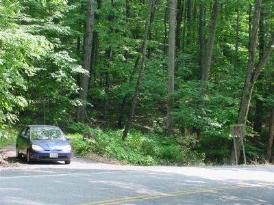 Trailhead on Route 219 image. Click for full size.