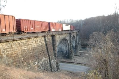 The Thomas Viaduct image. Click for full size.