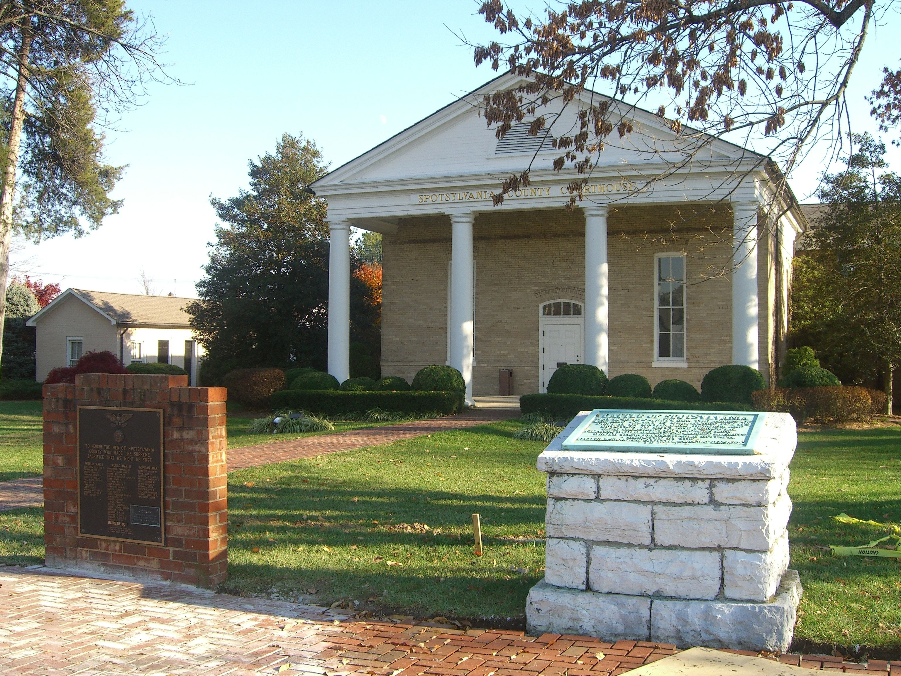 """Spotsylvania County Honor Roll"" and ""Battle of Spotsylvania"" Markers"