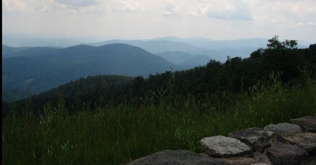 Blue Ridge Mountains image. Click for full size.