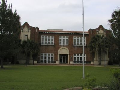 Georgetown High School Building image. Click for full size.