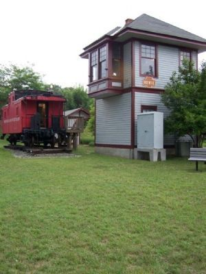 Bowie Caboose and Tower image. Click for full size.