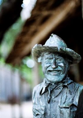 Closeup of the Hondo Crouch bust image. Click for full size.