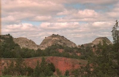 North Dakota Badlands Photo, Click for full size