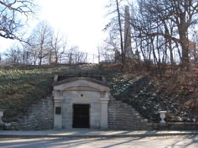 The receiving vault, with Lincoln's Tomb in the background image. Click for full size.