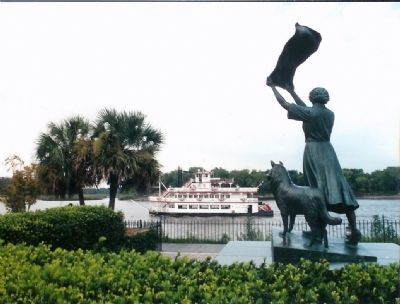 Savannah's Waving Girl, Florance Martus... statue by Felex DeWeldon. image. Click for more information.