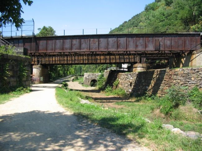 The Downstream Side of the Lock and the Railroad Bridge image. Click for full size.
