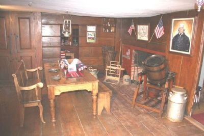 Main Room of Uncle Sam�s House Photo, Click for full size