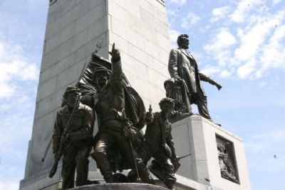Abraham Lincoln's Tomb: The Infantry Group, The Coat of Arms and Statue of Abraham Lincoln image. Click for full size.