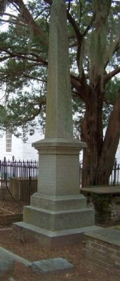 Gen. Elliotts Grave, St . Helena's Church, Beaufort, S.C. image. Click for full size.