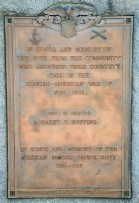 Spanish-American War Plaque Located Left of Main Plaque image. Click for full size.