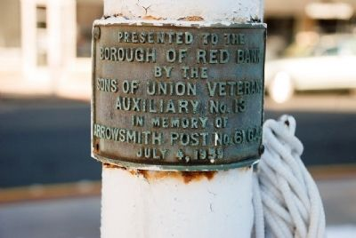 Sons of Union Veterans Dedication Plaque on Iron Flagpole image. Click for full size.