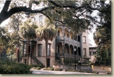 Comer House, #2 East Taylor St. Savannah image. Click for full size.