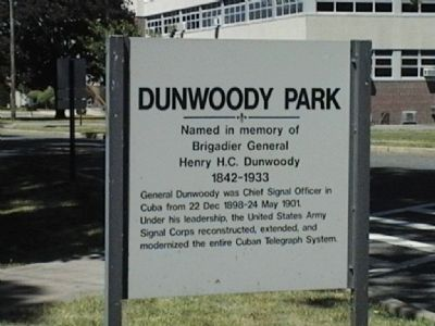 Dunwoody Park image. Click for full size.