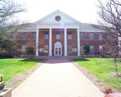 St. Mary�s County Courthouse at Leonardtown image. Click for full size.