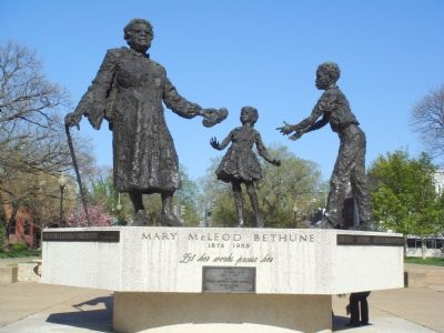 Mary McLeod Bethune Memorial image. Click for full size.