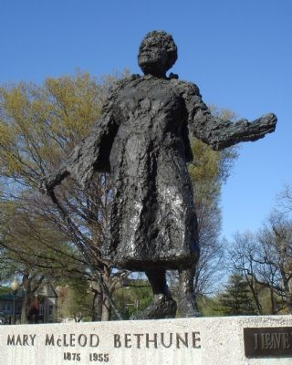 Mary McLeod Bethune, by Robert Berks, Sculptor image. Click for full size.