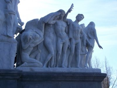 Sculpture at top of Capitol Steps. image. Click for full size.