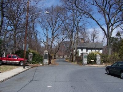 Harrisburg Cemetery Entrance image. Click for full size.
