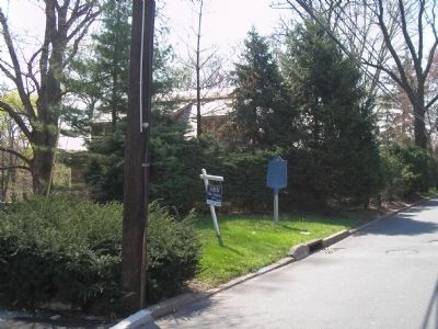 Marker on Teaneck Road Photo, Click for full size