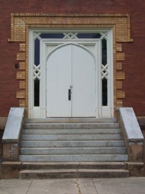 Front door of Winnie Davis Hall of History image. Click for full size.