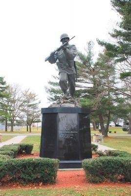 Front View of Infantry Statue Photo, Click for full size