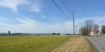 Looking north from marker toward location of Confederate Battery Photo, Click for full size