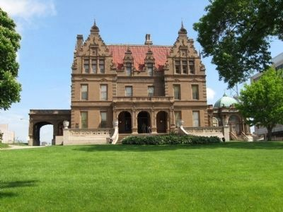 The Captain Frederick Pabst Mansion image. Click for full size.