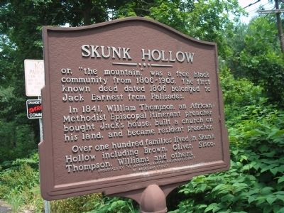 Skunk Hollow Marker Photo, Click for full size