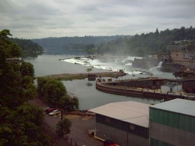 Willamette Falls from the east side (Oregon City) image. Click for full size.