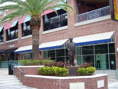 Vicente Martinez- Ybor Marker at Centro Ybor image. Click for full size.