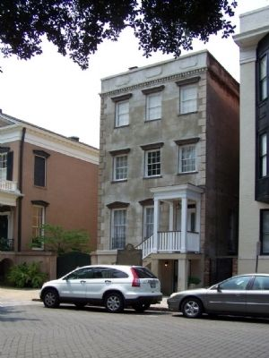 Flannery O'Connor Childhood Home Marker at 207 E. Charlton St. image. Click for full size.
