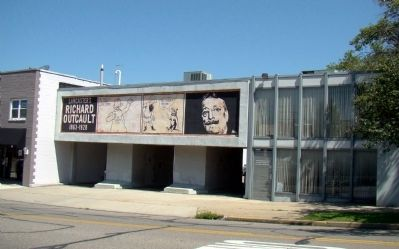 Mural on Fairfield County District Library Service Building image. Click for full size.