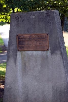 Monument with Small Plaque image. Click for full size.