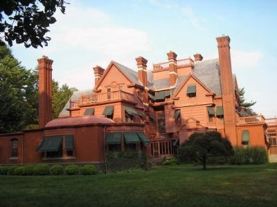 Back of Glenmont Mansion image. Click for full size.