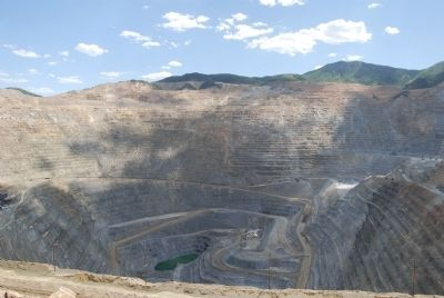 Open-pit mine at Bingham Canyon image. Click for full size.