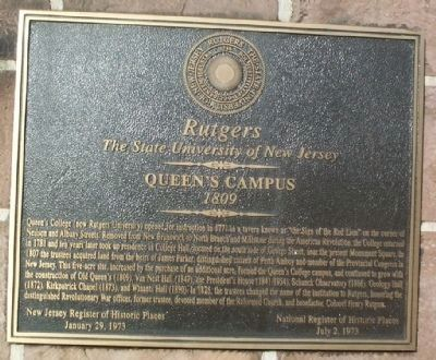 Queen�s Campus Marker image. Click for full size.