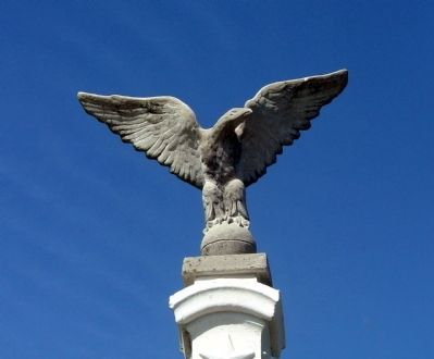 Civil War Memorial - - Eagle ! ! ! image. Click for full size.