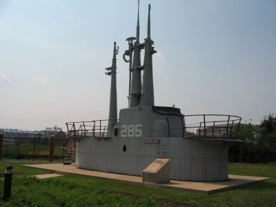 USS Balao (SS-285) Monument and Sail Photo, Click for full size