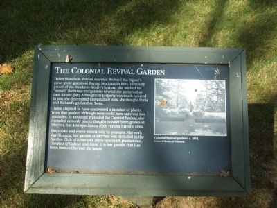 The Colonial Revival Garden Marker image. Click for full size.