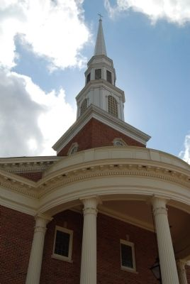 Present Day First Baptist Church Steeple image. Click for full size.