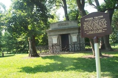 Couch Tomb and Marker Photo, Click for full size