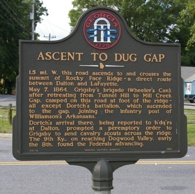 Ascent to Dug Gap Marker image. Click for full size.