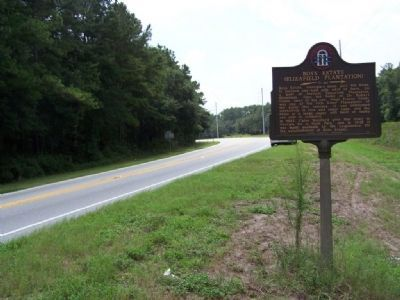 Boys Estate Marker, looking south along US 17 image. Click for full size.