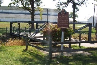 Hoghe Road Bridge and Marker image. Click for full size.
