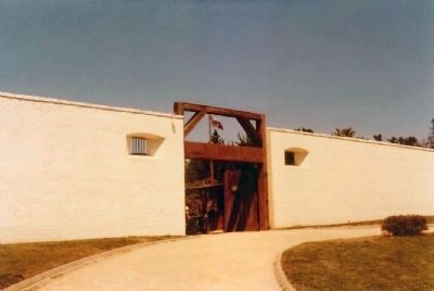 Sutter's Fort Entrance image. Click for full size.