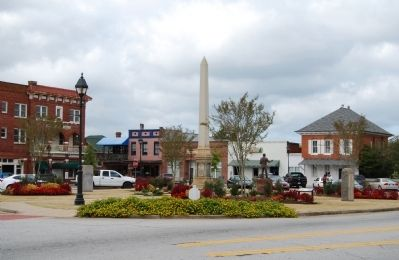Edgefield County Square image. Click for full size.