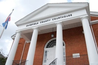 Edgefield County Courthouse image. Click for full size.