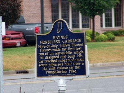 Haynes' Horseless Carriage Marker Photo, Click for full size