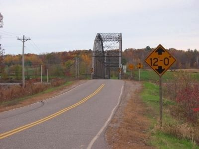 Westbound Towards Bridge image. Click for full size.
